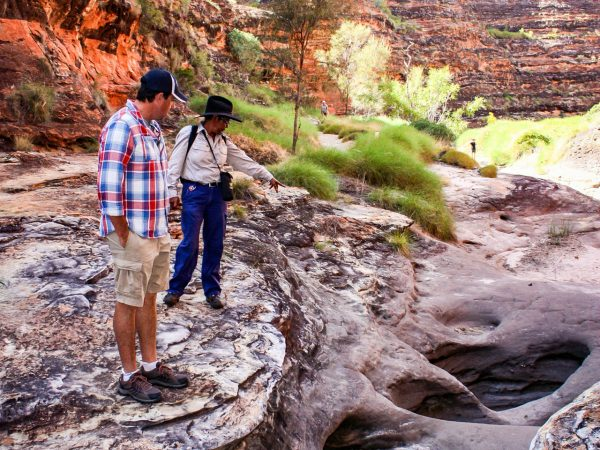 Cathedral Gorge and Domes Guided Walk Visitors - Kimberley Tours
